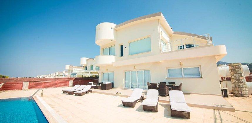 CAE įlankos rezidencija – vilos Kipre ir apartamentai